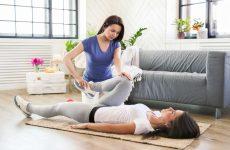 Massage-Chair-vs-massage-therapist